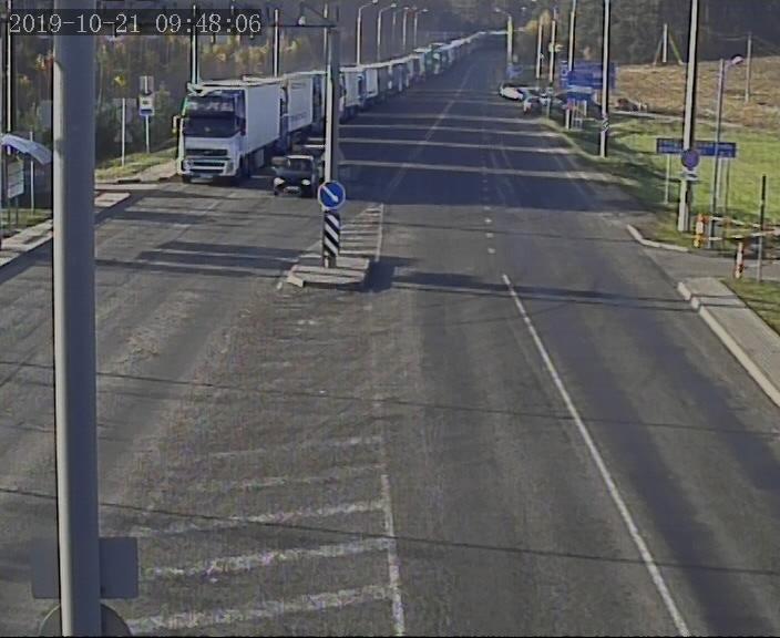Более 750 грузовых автомобилей ожидают выезда на белорусско-литовской границе