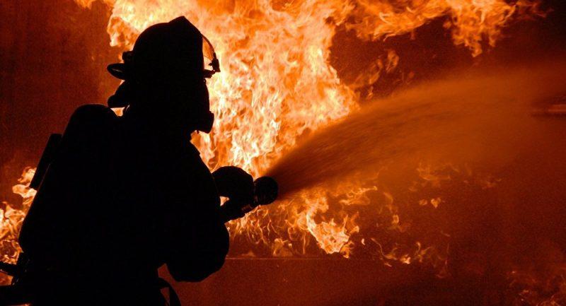 Легковой автомобиль Volkswagen Transporter горел в Березовке