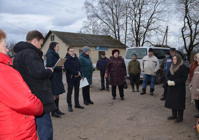 Глава региона встретился с жителями деревни Большие Конюшаны Тарновского сельсовета