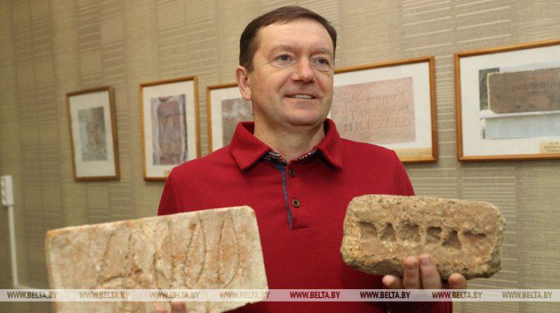 Бывший военный из Лиды Алексей Чистяков более 10 лет коллекционирует кирпичи