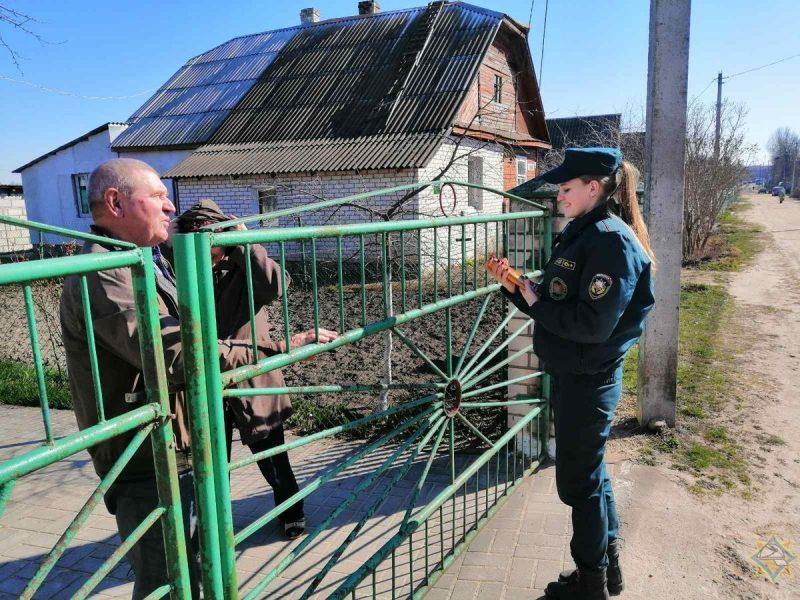 Лидские спасатели проводят профилактические рейды в населенных пунктах района