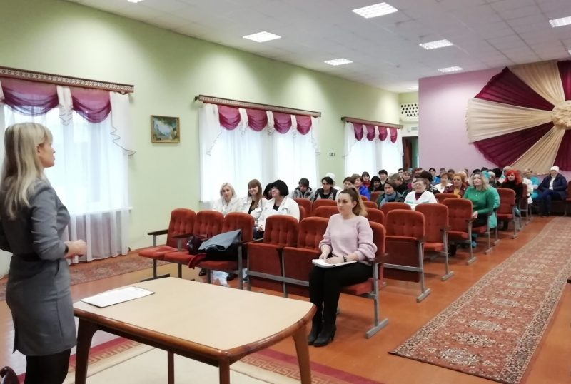 В Лиде состоялась встреча Молодежной информационной группы с трудовым коллективом