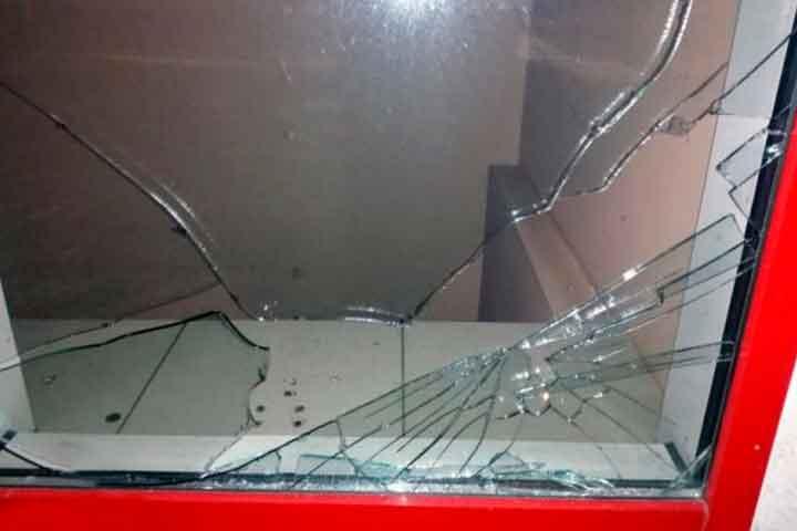 Мужчина в Лиде разбил окно одного из кафе