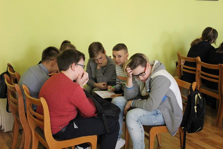 Состоялся 1-й тур чемпионата Лидского района по интеллектуальным играм «Intellekteen» среди учащихся 6-8 классов.