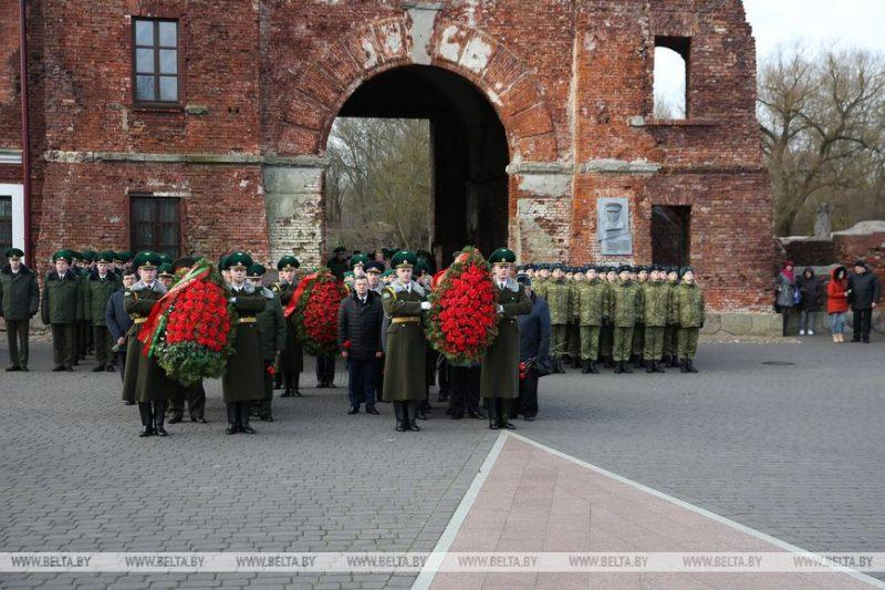 В мемориальном комплексе «Брестская крепость-герой» стартовала Эстафета Победы