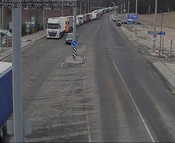 Более 660 грузовых автомобилей ожидают выезда на белорусско-литовской границе