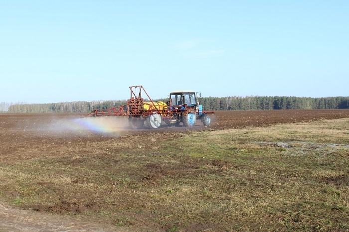 Лидским аграриям помощь в проведении ярового сева окажут промышленные, строительные и сервисные организации