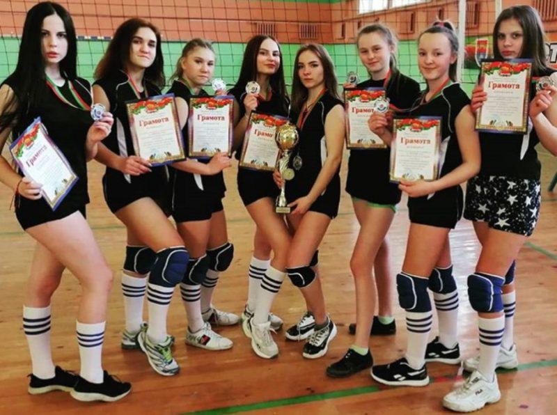 Лидчанки успешно выступили на областных соревнованиях по волейболу