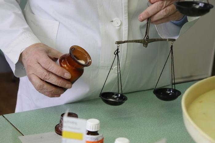 Центральная районная аптека начала производить средство для обработки рук по рекомендованной ВОЗ рецептуре
