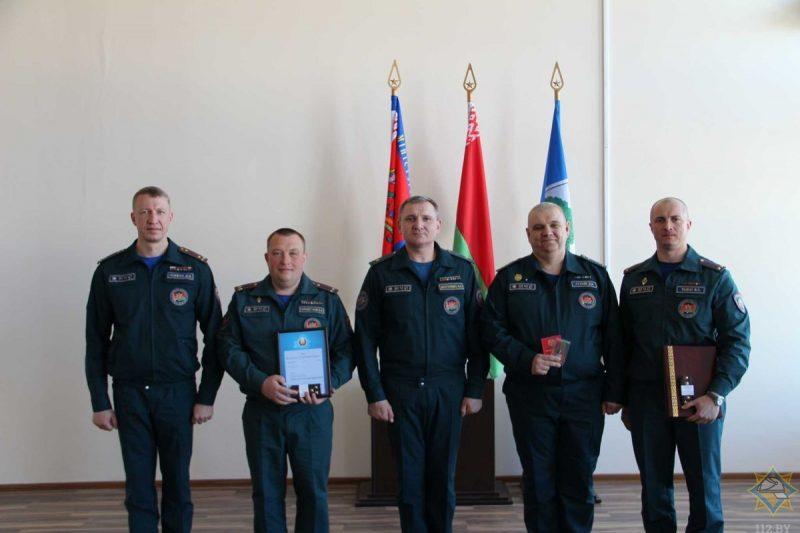 Лидский спасатель награжден медалью «За безупречную службу»