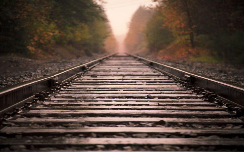 Вблизи Лиды отец и сын разобрали 300 метров железнодорожного полотна