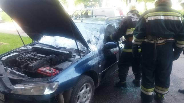 Сегодня утром в Лиде по улице Варшавской горел автомобиль