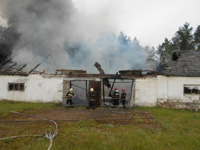 Склад запчастей горел в Лидском районе