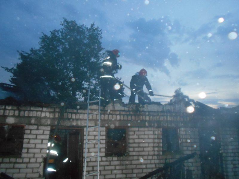 Хозяйственная постройка горела минувшей ночью в Лидском районе