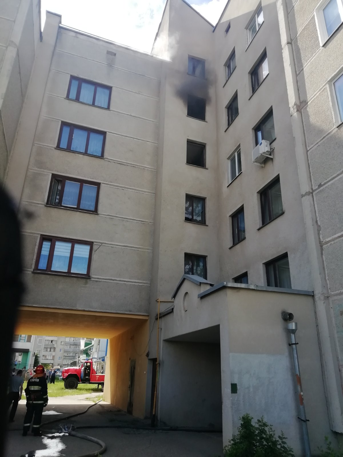 Лидские спасатели выезжали на тушение пожара в квартире по улице Тухачевского