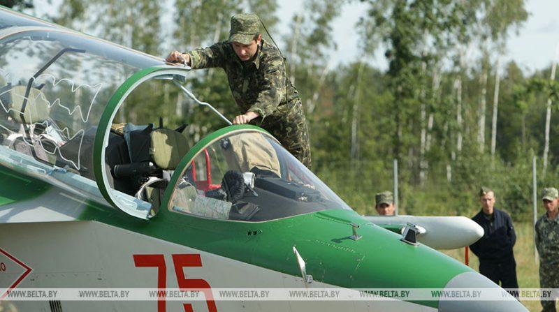 В Министерстве обороны рассказали о плановых полетах авиации и занятиях по боевой подготовке