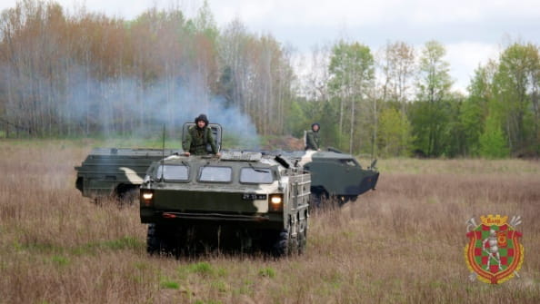 В Вооруженных Силах продолжается выполнение плановых мероприятий боевой подготовки