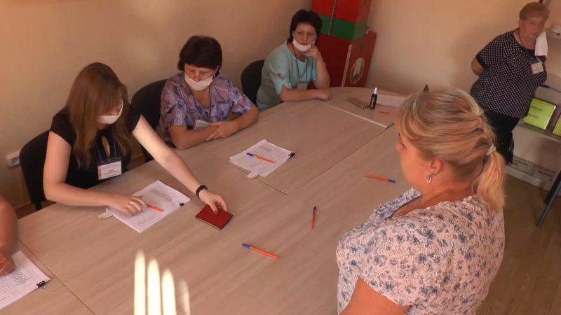 До завершения голосования на выборах Президента Беларуси остается чуть менее двух часов