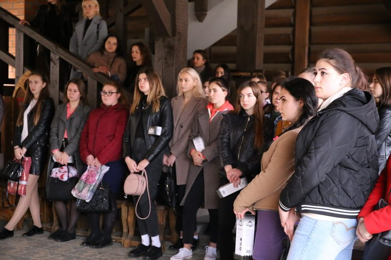 Театрализовано-музыкальная программа для молодых специалистов ЦРБ состоялась в Лидском замке