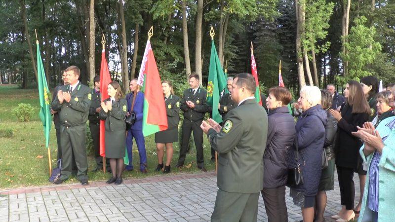 Вчера в Беларуси отметили День работников леса. В данной сфере, отметим, трудятся около 100 тысяч человек.