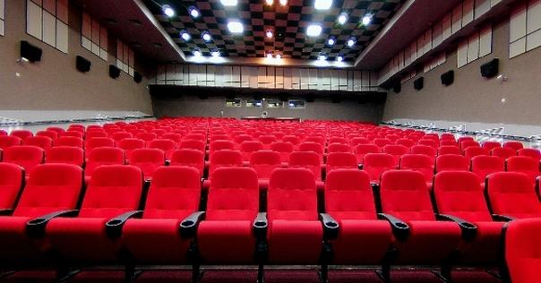 Лидский кинотеатр «Юбилейный» продолжает показывать фильмы с учетом эпидемиологической ситуации и с соблюдением мер предосторожности.