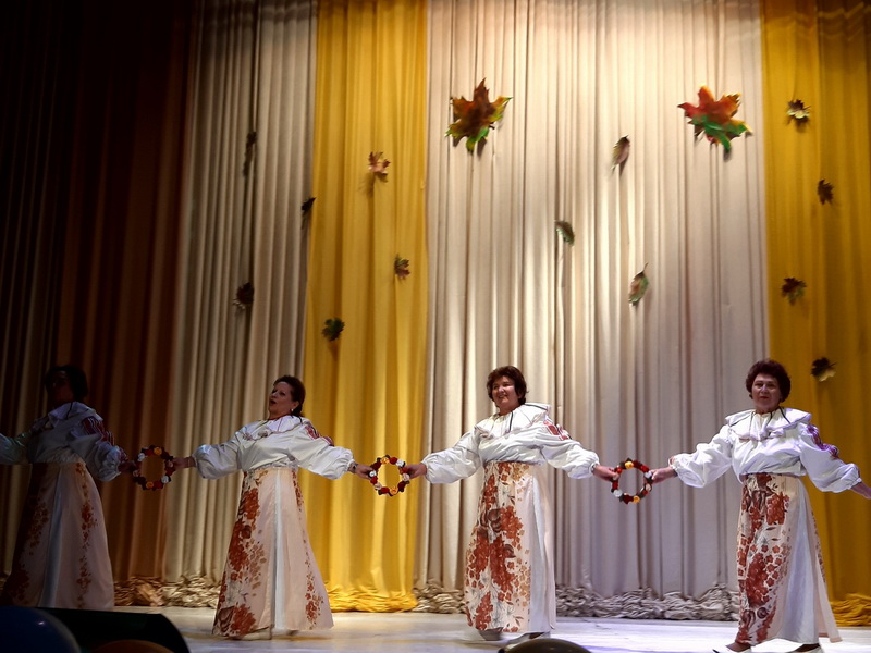 Арт-фестиваль «Чтобы осень была золотой» состоялся во Дворце культуры города Лиды