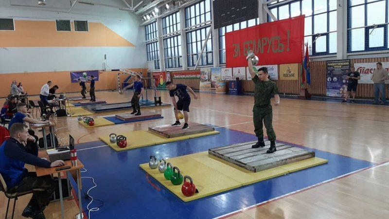 Белорусский силач Вячеслав Хоронеко установил очередной мировой рекорд в гиревом марафоне