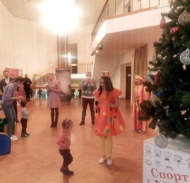 Во Дворце культуры нашего города состоялся новогодний праздник для самых маленьких лидчан