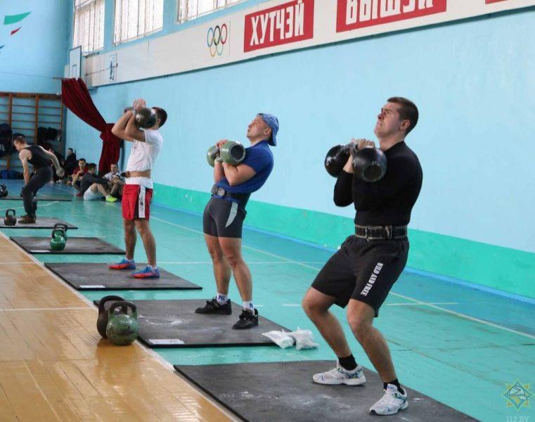 В Лиде состоялся чемпионат Гродненского областного управления МЧС по гиревому спорту
