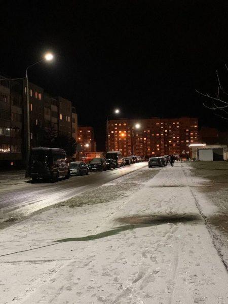 На улицах Лиды продолжают устанавливать новые светодиодные светильники