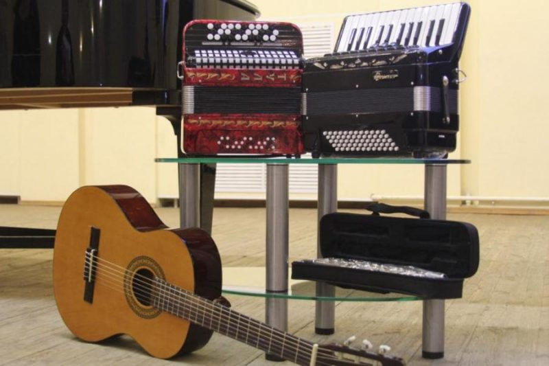 Третий отборочный этап Республиканского открытого конкурса исполнителей на народных инструментах им. И.И.Жиновича состоится в Лиде