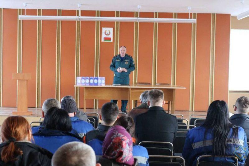 На Лидчине продолжается пожарно-профилактическая работа с населением