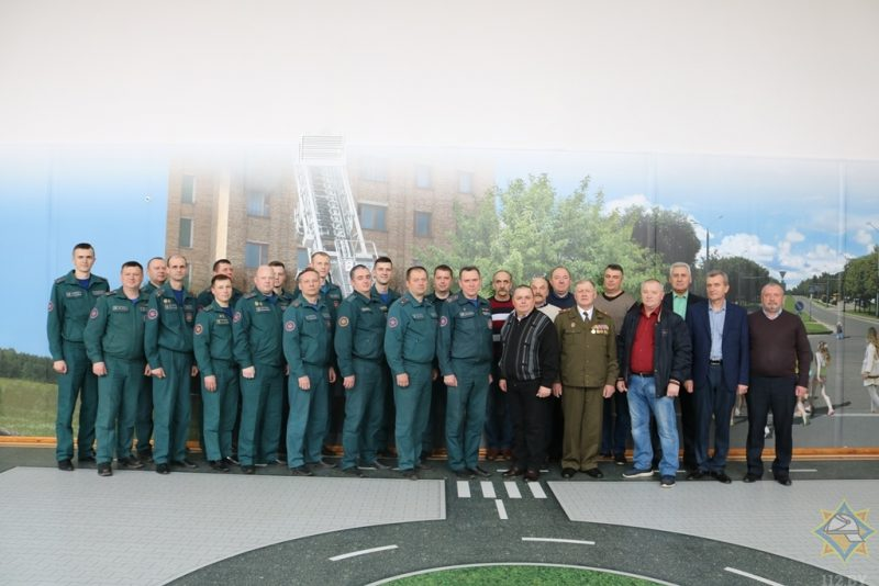 В канун Дня чествования ветеранов органов и подразделений по чрезвычайным ситуациям в РОЧС состоялась встреча поколений
