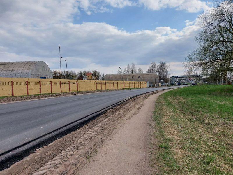Сплошное асфальтирование дороги выполнено на улице Качана в Лиде