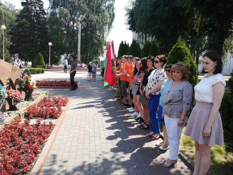 Лидчане присоединились к Всебелорусской минуте молчания