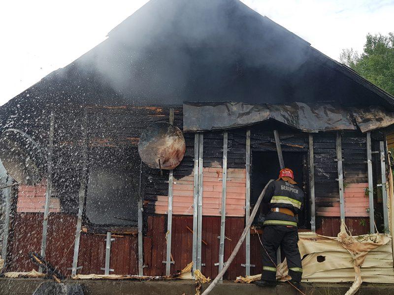 Огонь унес жизнь человека в Лидском районе. Трагедия произошла накануне в деревне Плясовичи