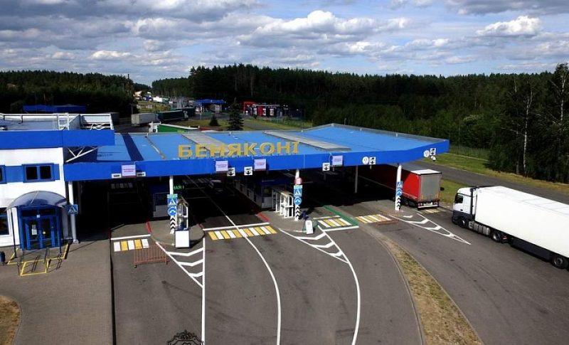 В пункте пропуска «Бенякони» на белорусско-литовской границе 17 сентября начали замену асфальтобетонного покрытия