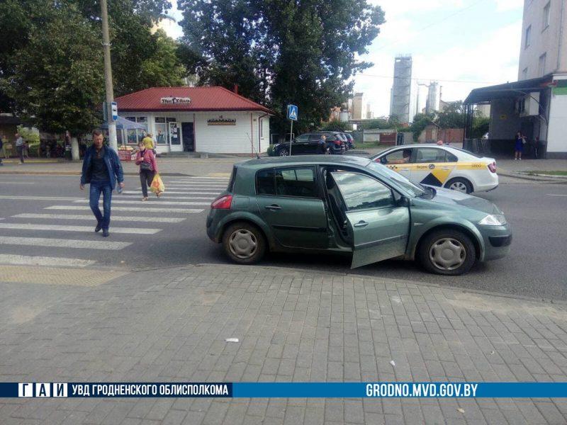 В Лиде легковой автомобиль сбил ребенка на пешеходном переходе