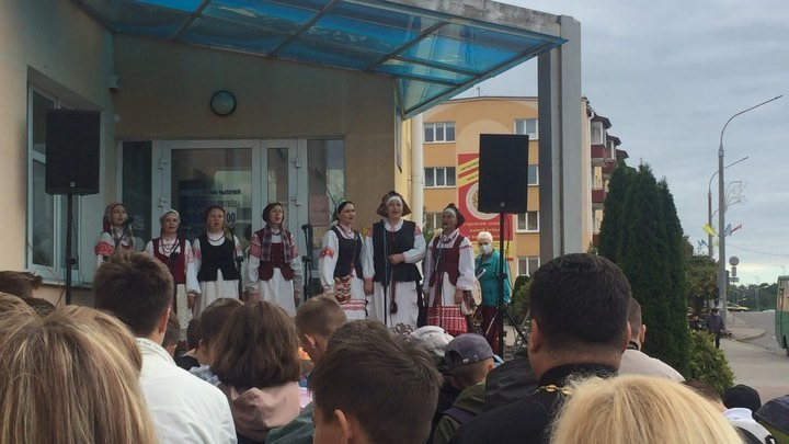 Фестиваль книги и печати под названием «Зоркі Лідскіх небасхілаў» состоялся сегодня в нашем городе.