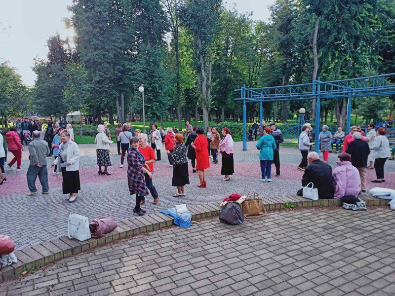 Дворец культуры города Лиды продолжает проводить танцевальные мероприятия для людей «золотого возраста»