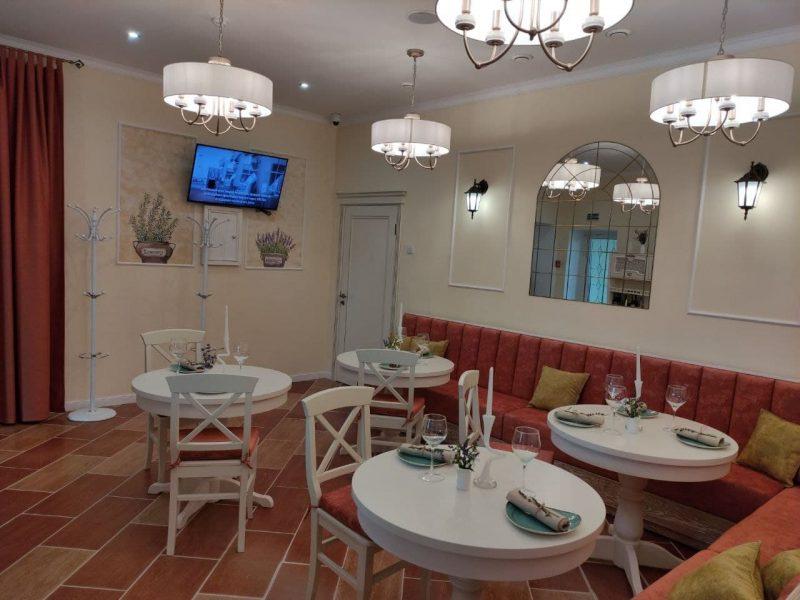«Гродненский мясокомбинат» открыл на трассе М6 В Лидском районе гостиничный комплекс «Гостиный двор»