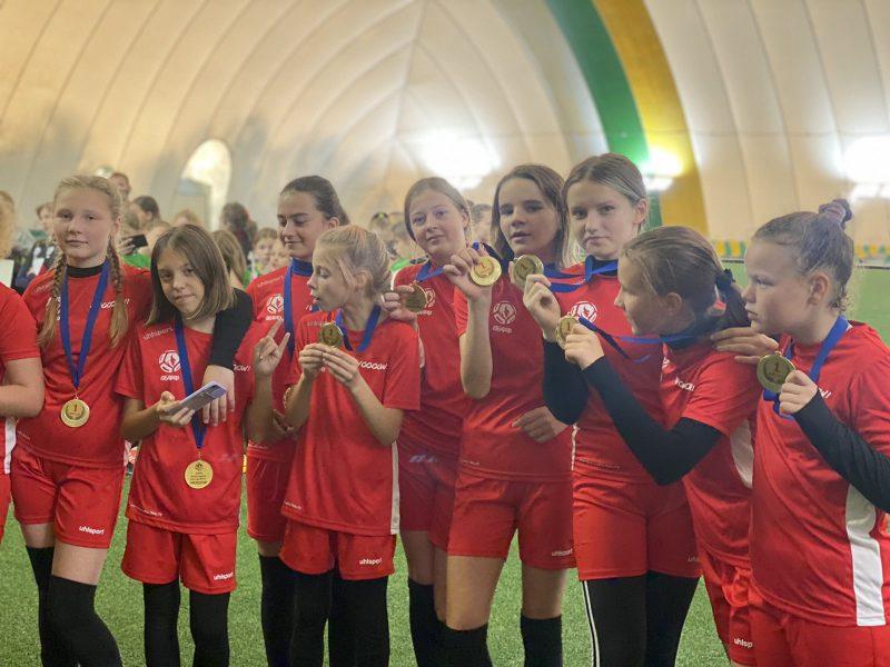 Успехи юных лидских футболисток
